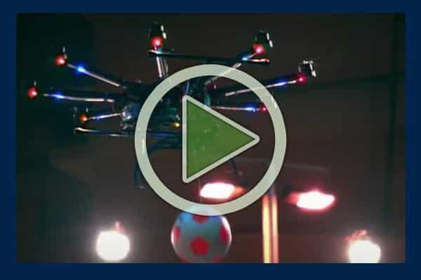 02-Pepsi-Drone-Entertainment-Projector-Screen