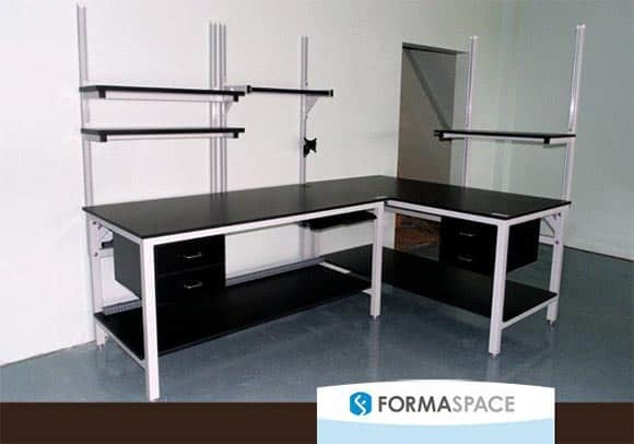 Corner laboratory workbench built by Formaspace for the new Antech Diagnostics reference laboratory in Orlando. Integrated pull drawers and shelving systems are shown. Formaspace offers the longest guarantee in the industry: a full twelve years, even if you use it 24-7 with three shifts working around the clock.