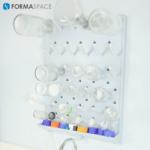 Epoxy peg board for wet lab