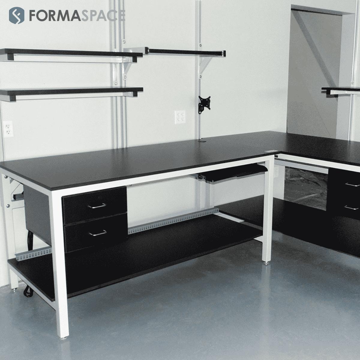 modular laboratory installation with benchmark