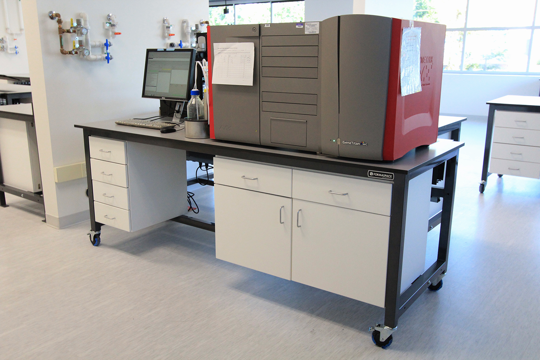 integrated modular lab furniture