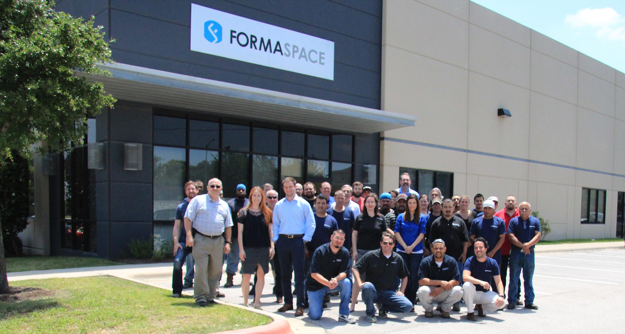 Formaspace Team Outside