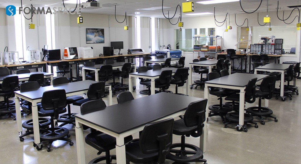 High school classroom with Formaspace height adjustable workstations