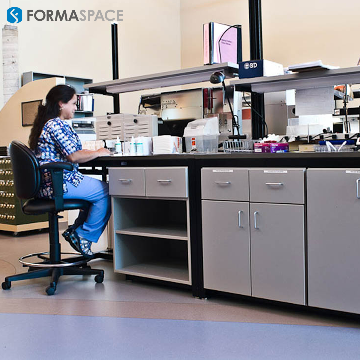 diagnostics laboratory workstations