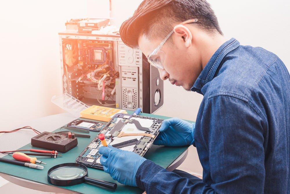 mobile repair technician