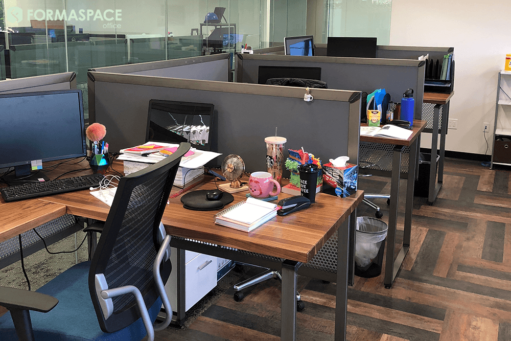 desk with privacy panel